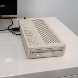 Armiga, console Android che legge i giochi su floppy dell'Amiga 500 3