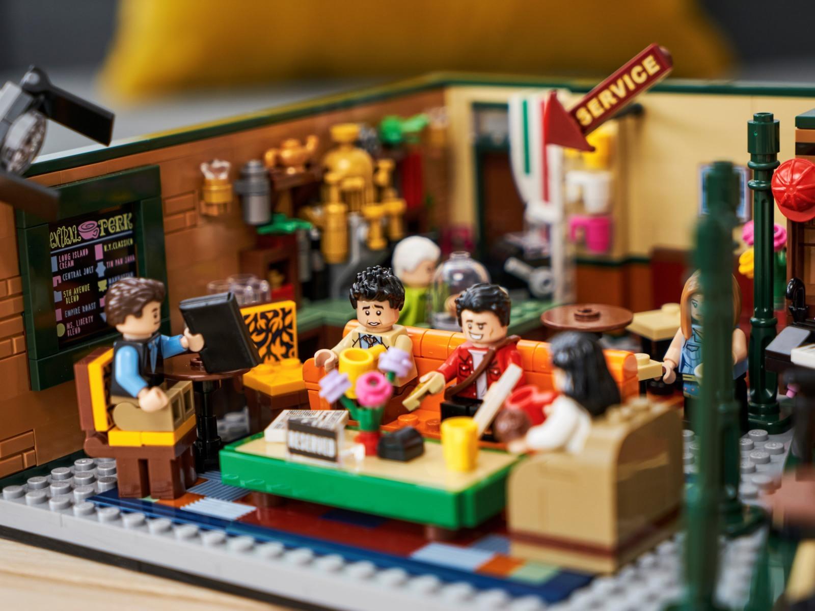 LEGO Ideas 21319 Central Perk recensione